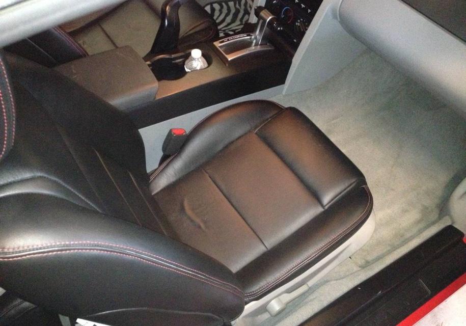 Самый некрасивый Ford Mustang выставили на торги 3