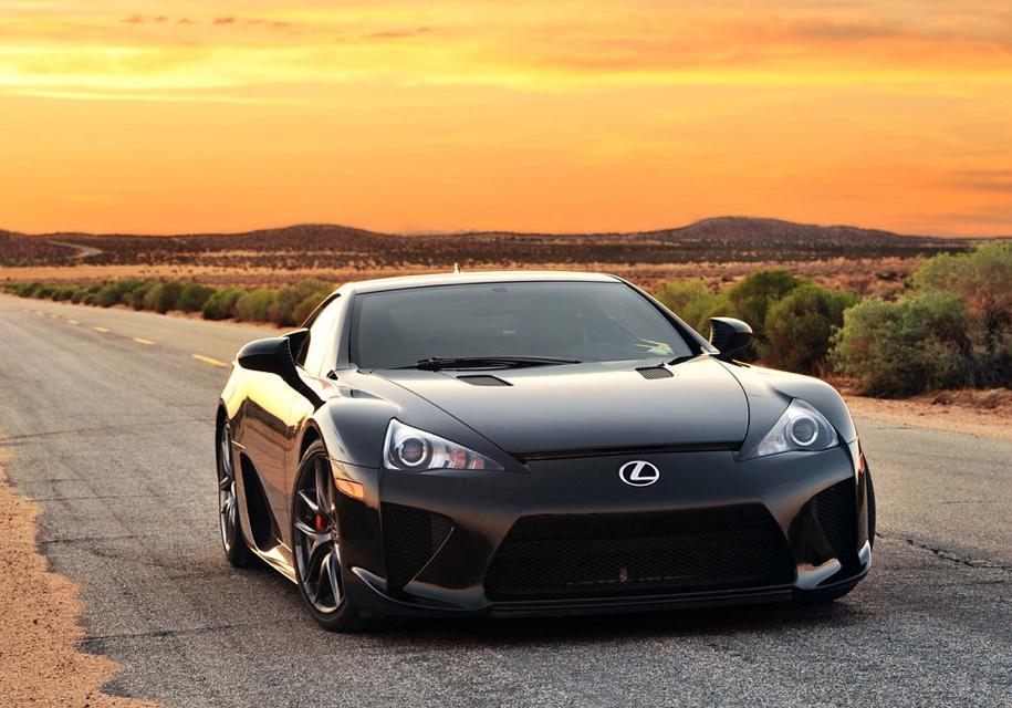 Редкий Lexus с ничтожным пробегом выставили на продажу 1