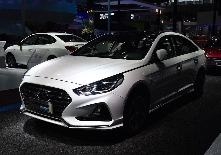 Седан Hyundai Sonata стал подключаемым гибридом 1