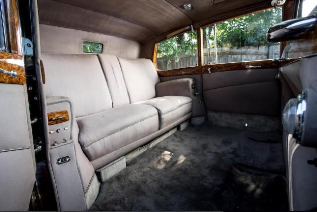 Королева Великобритании продает с аукциона раритетный Rolls-Royce 4