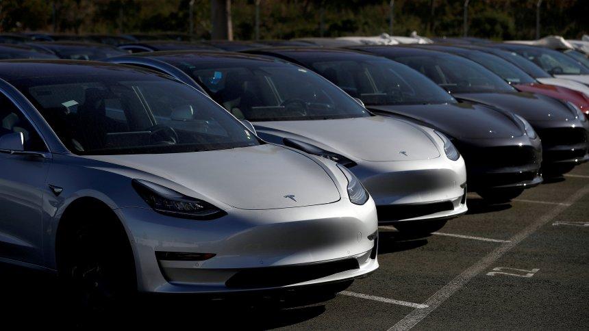 Водители целого государства объявили бойкот Tesla 1