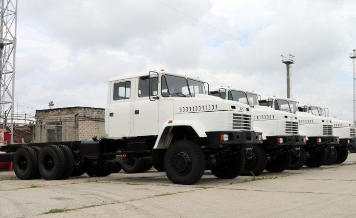 КрАЗ готовит крупную партию автомобилей на экспорт 1