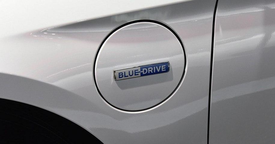 Седан Hyundai Sonata стал подключаемым гибридом 2