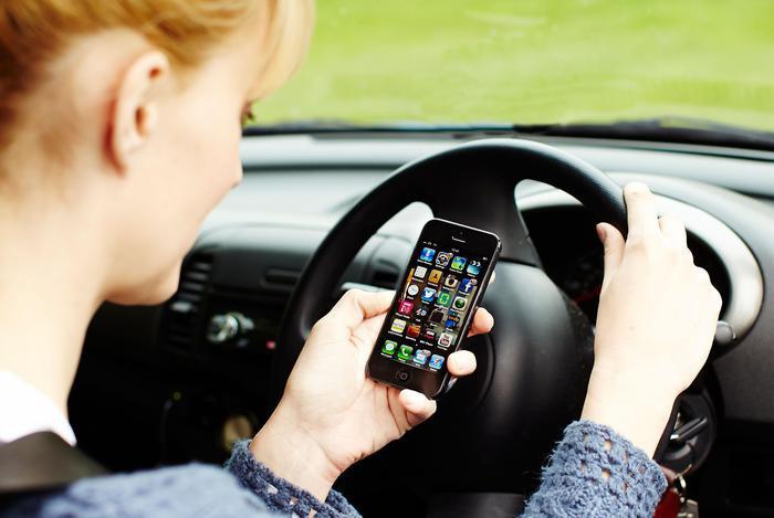 Украинцам начнут выдавать электронные водительские права 1