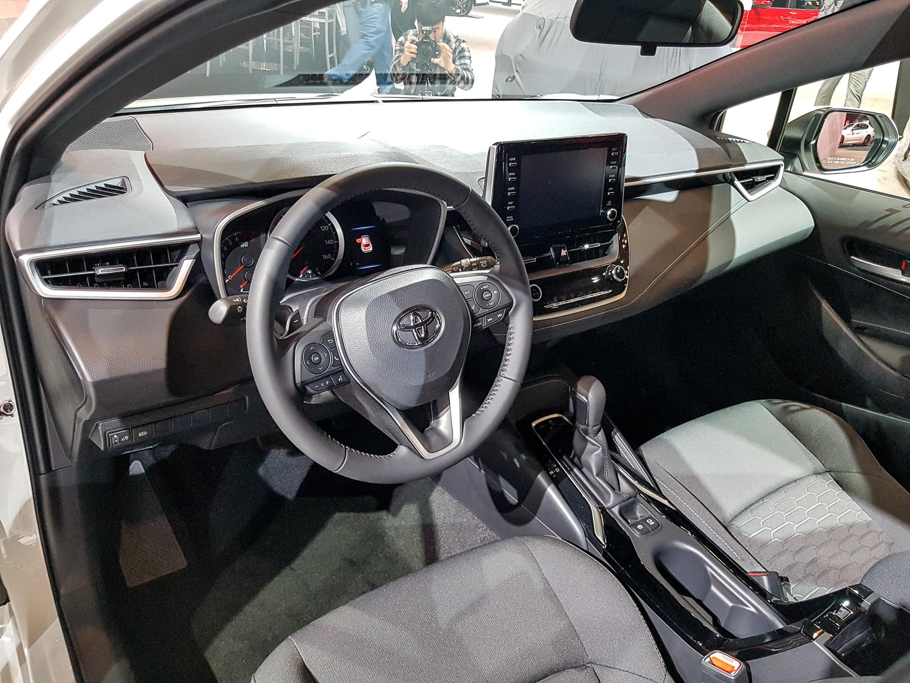 Новая Toyota Corolla «косит» под Lexus 3