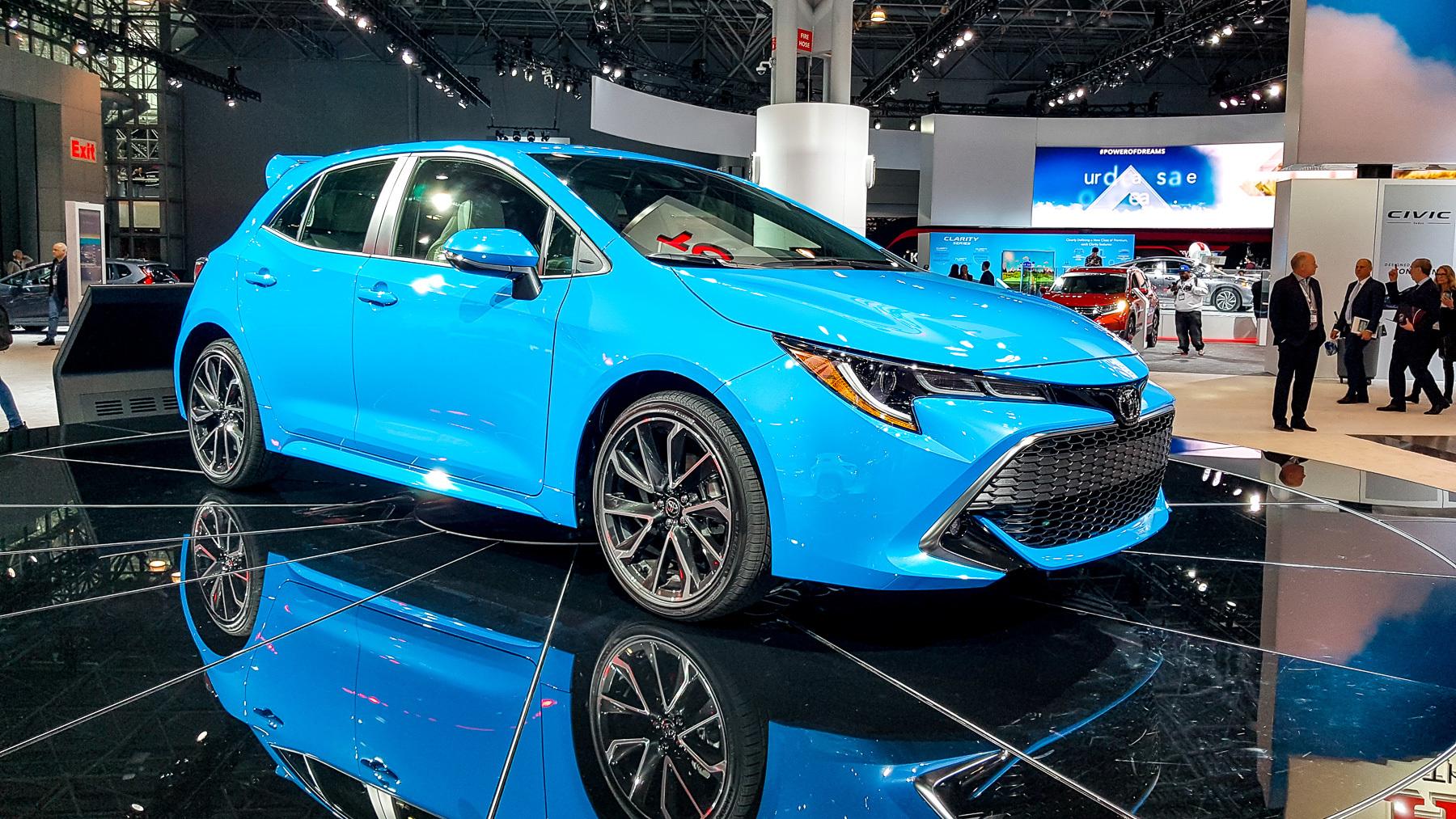 Новая Toyota Corolla «косит» под Lexus 1