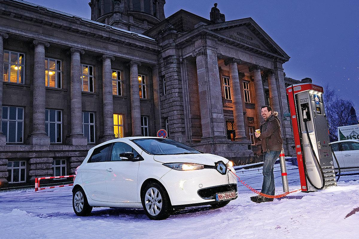 Тест-драйв подержанного электромобиля Renault Zoe 1