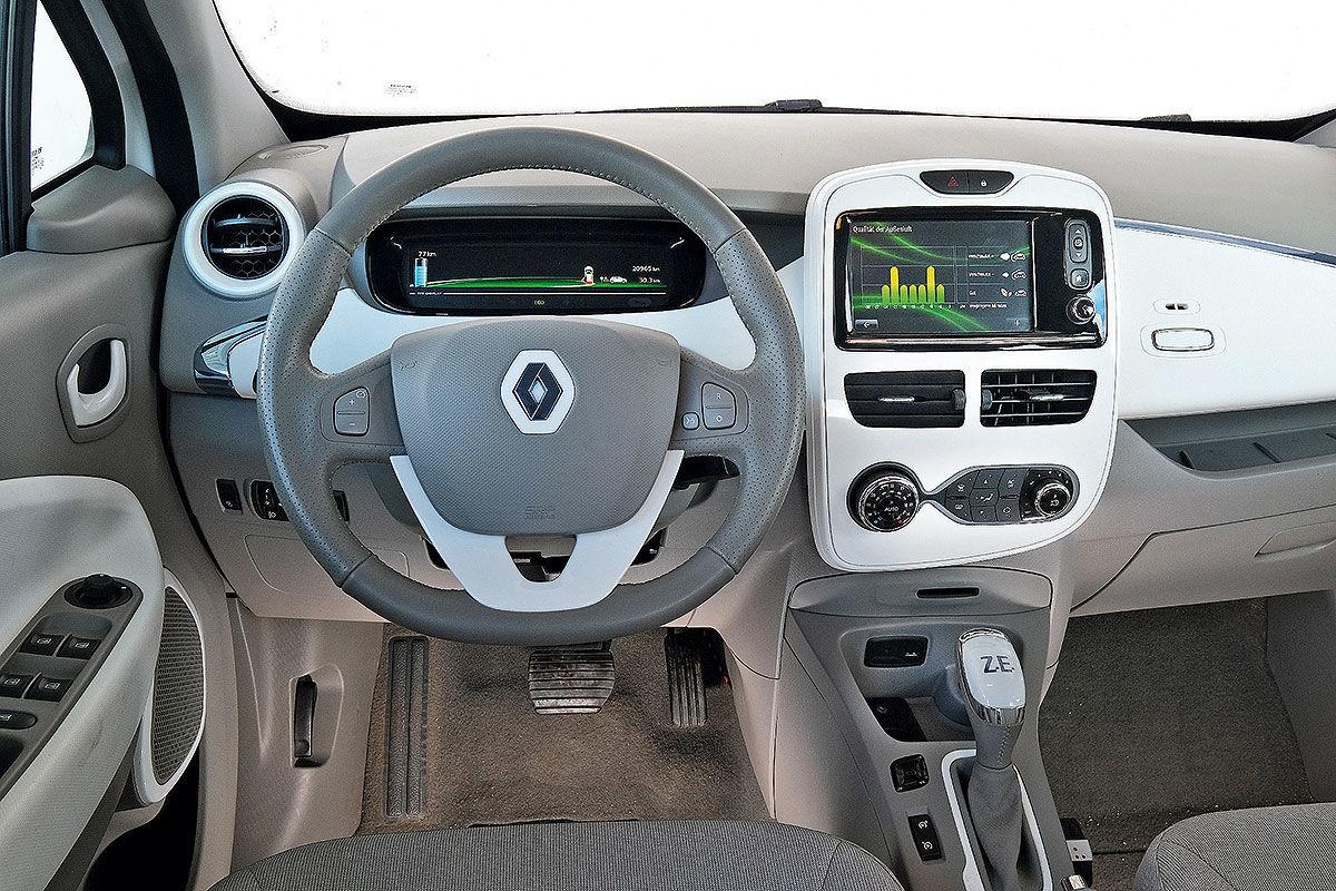 Тест-драйв подержанного электромобиля Renault Zoe 3