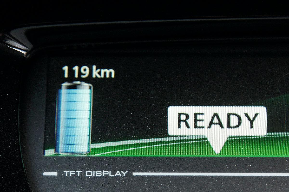 Тест-драйв подержанного электромобиля Renault Zoe 4