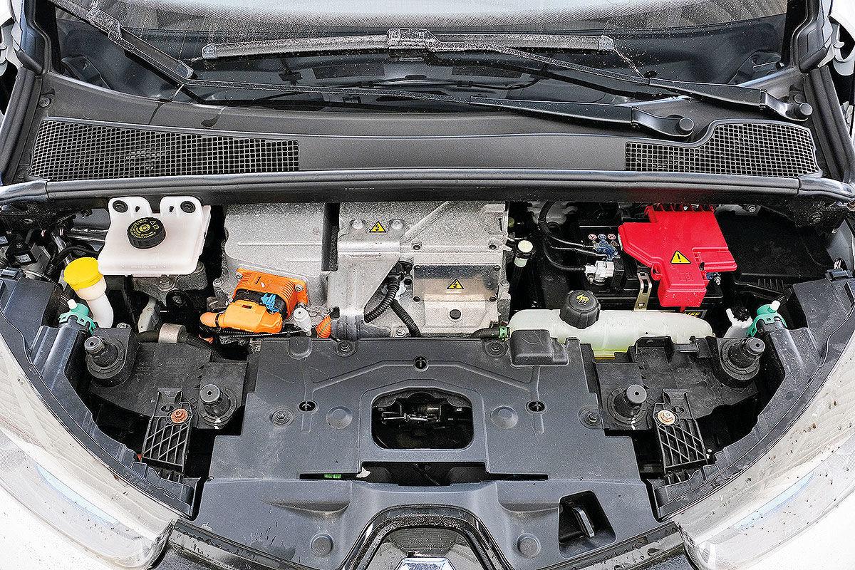 Тест-драйв подержанного электромобиля Renault Zoe 5
