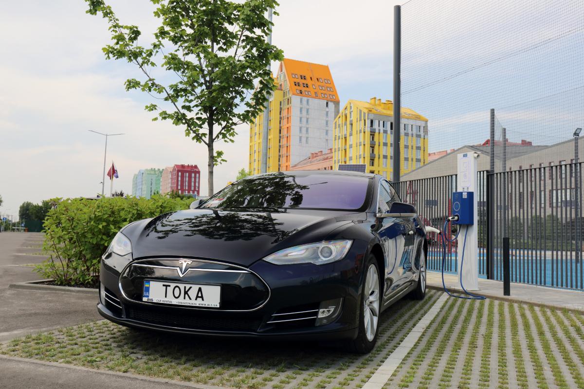 Национальная сеть электрозаправок ТОКА стала партнером программы Fishka 1