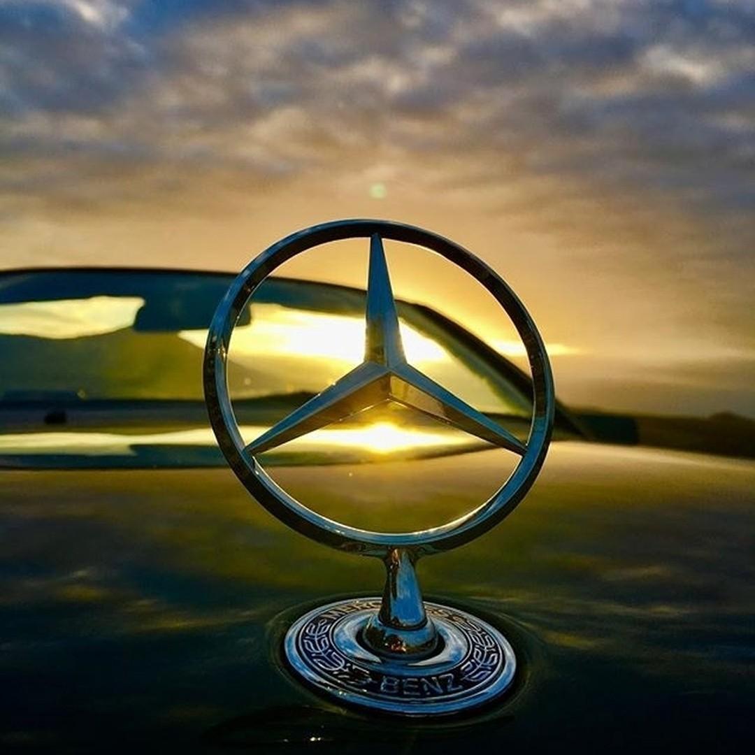 Назван самый дорогой автомобильный бренд 1