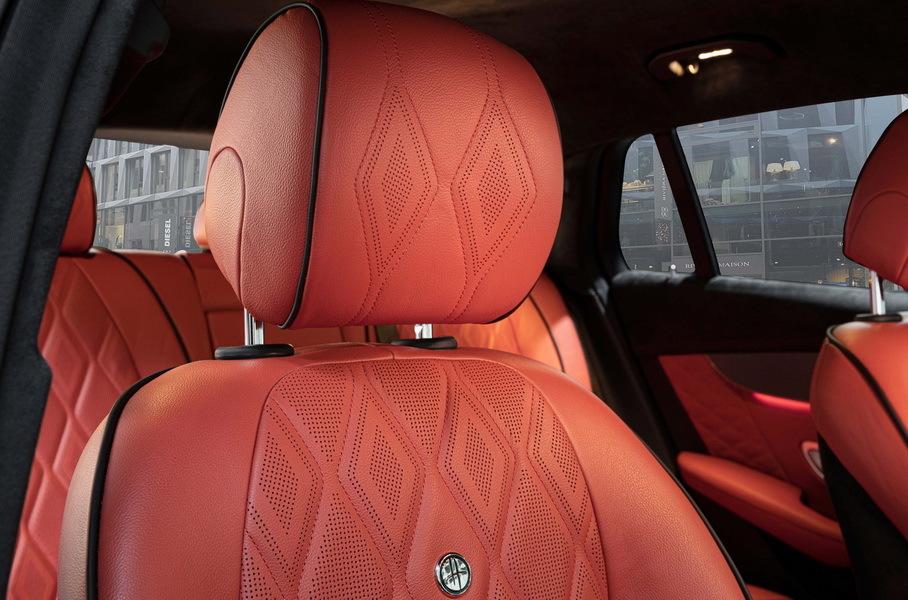 Электромобиль Mercedes-Benz EQC получил тюнинг в стиле Maybach 3