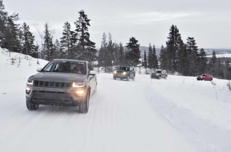 Компания Jeep вывела на тесты новые гибриды 1