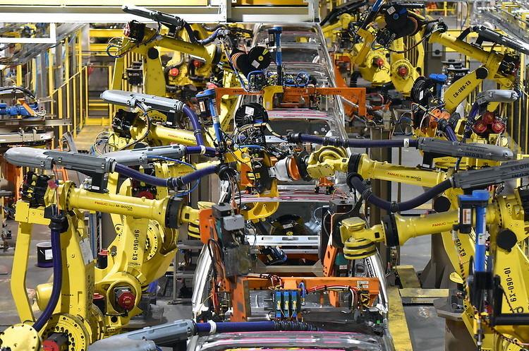 Ford отложил сроки возобновления производства 1