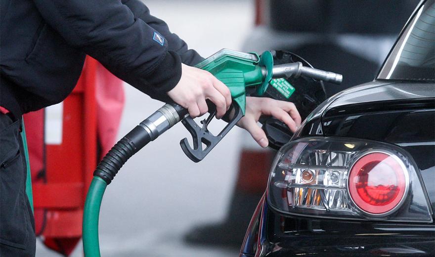 В Украине снижаются цены на бензин и дизельное топливо 1