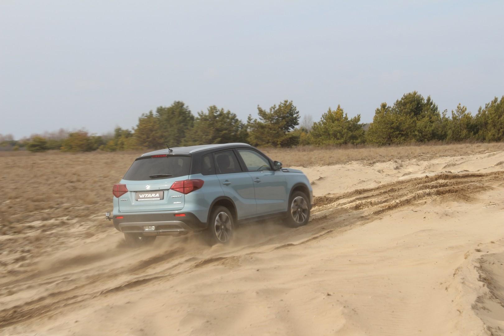 «Один литр на троих»: обзор Suzuki Vitara 5