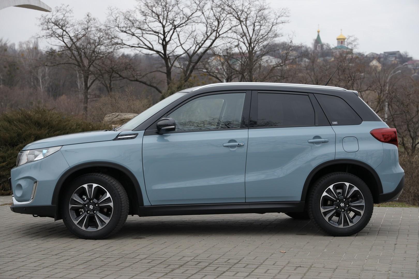 «Один литр на троих»: обзор Suzuki Vitara 4
