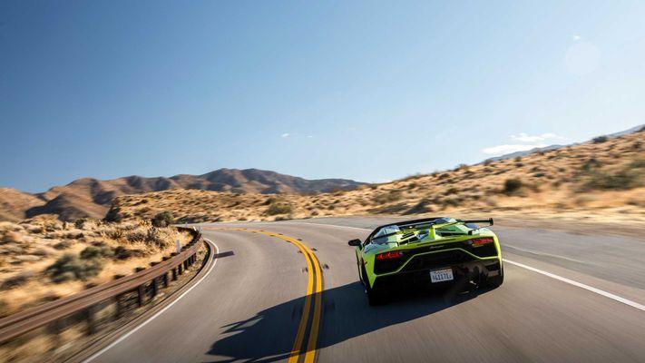 «Фэйл года»: новый сотрудник Lamborghini умудрился «запороть» 26 суперкаров 1