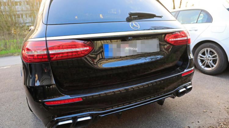 Новый Mercedes-AMG E63 рассекретили в Сети 2