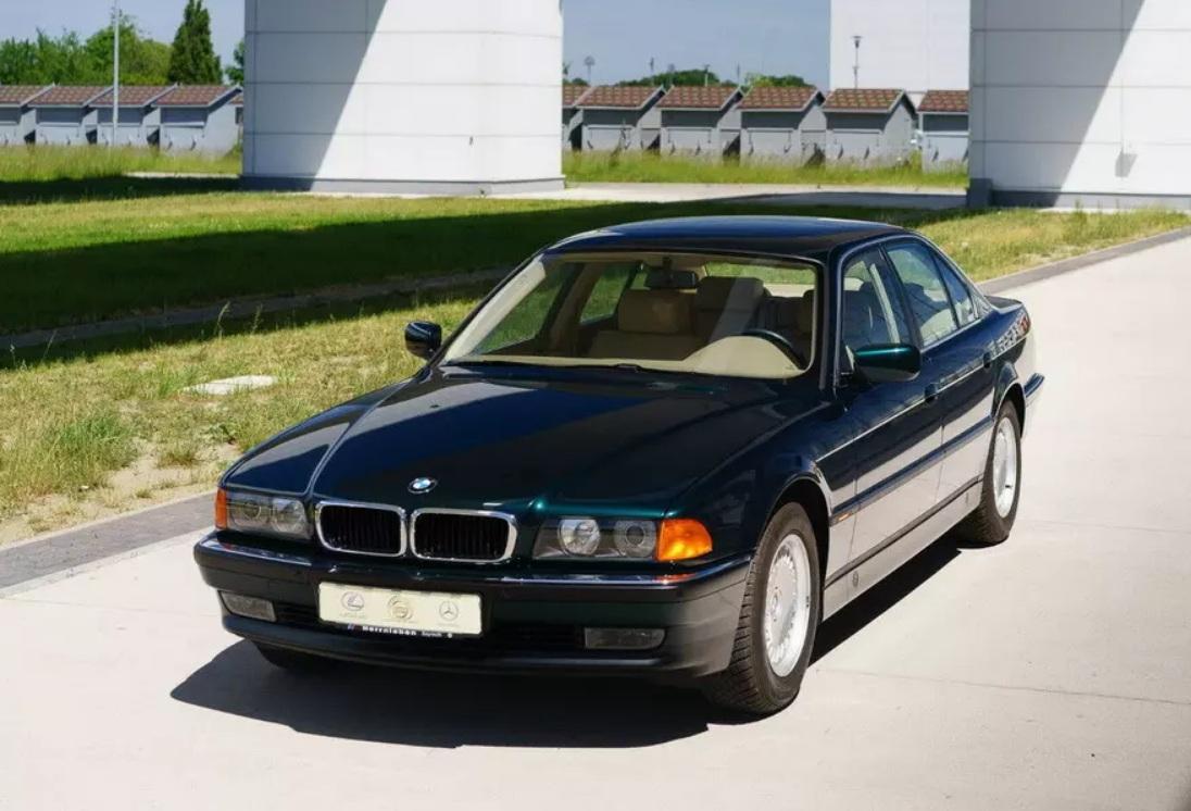 23-летний BMW превратился в самую настоящую «капсулу времени» 1