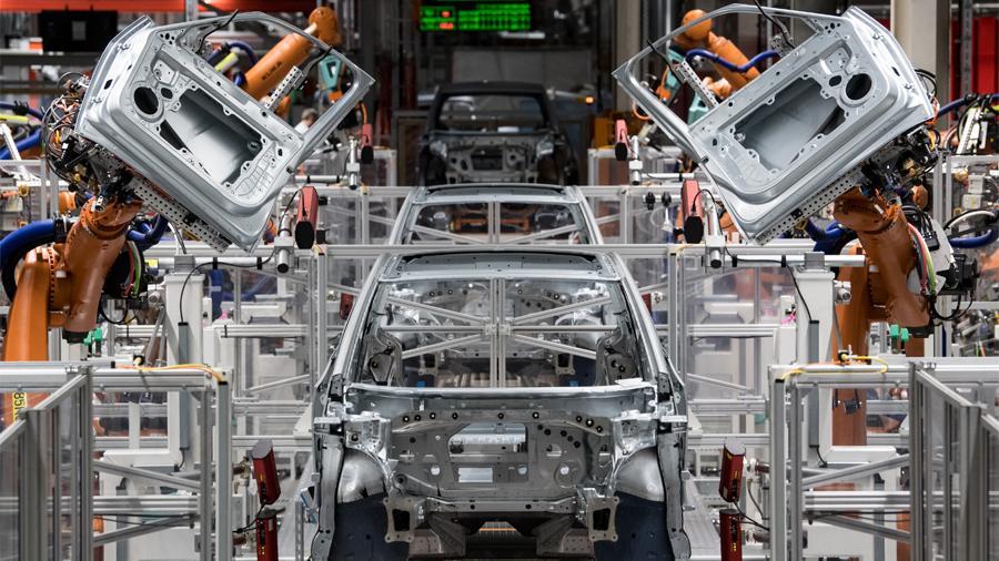 Volkswagen переходит на массовое производство электрокаров 1