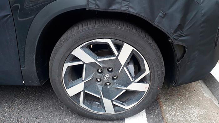 В Сети показали новый Hyundai Santa Fe 3