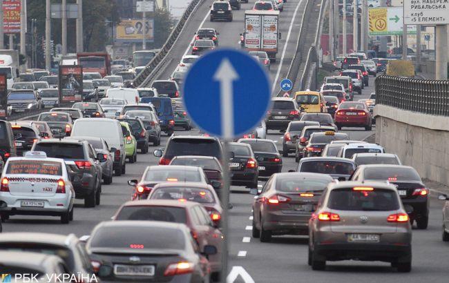 Украинских автомобилистов карантин пока не затронет 1