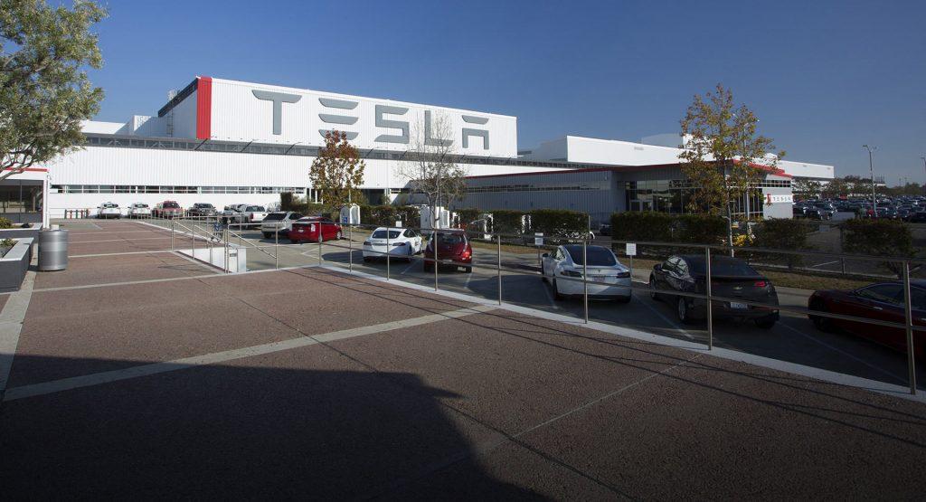 Илон Маск отказался закрывать завод Tesla из-за коронавируса 1