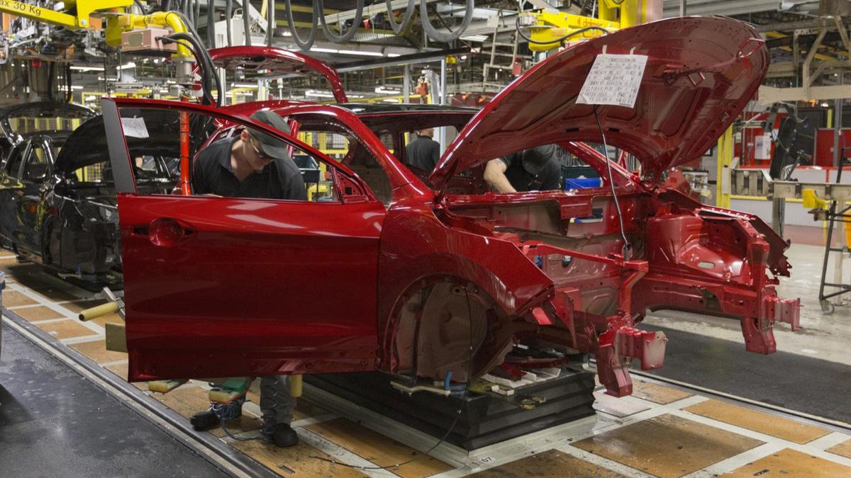 Автопроизводители останавливают производство в Испании из-за коронавируса 1