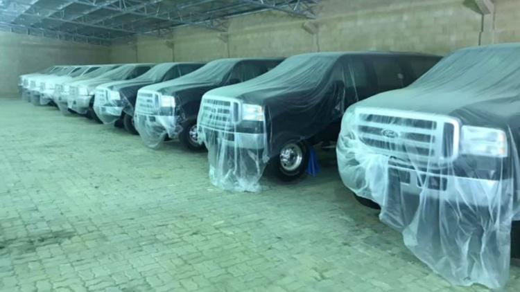 В Дубае обнаружен десяток новых внедорожников Ford, полтора десятилетия простоявших без движения 1