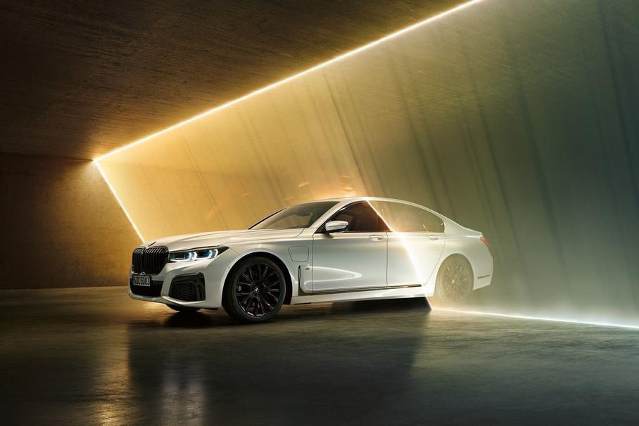 Флагман BMW 7-Series станет электромобилем 1