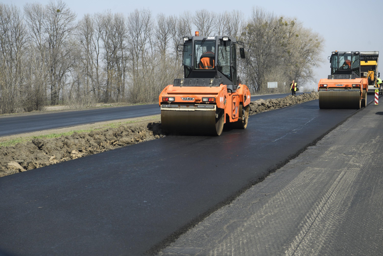 «Укравтодор» рассказал о количестве ремонтируемых дорог в Украине 1