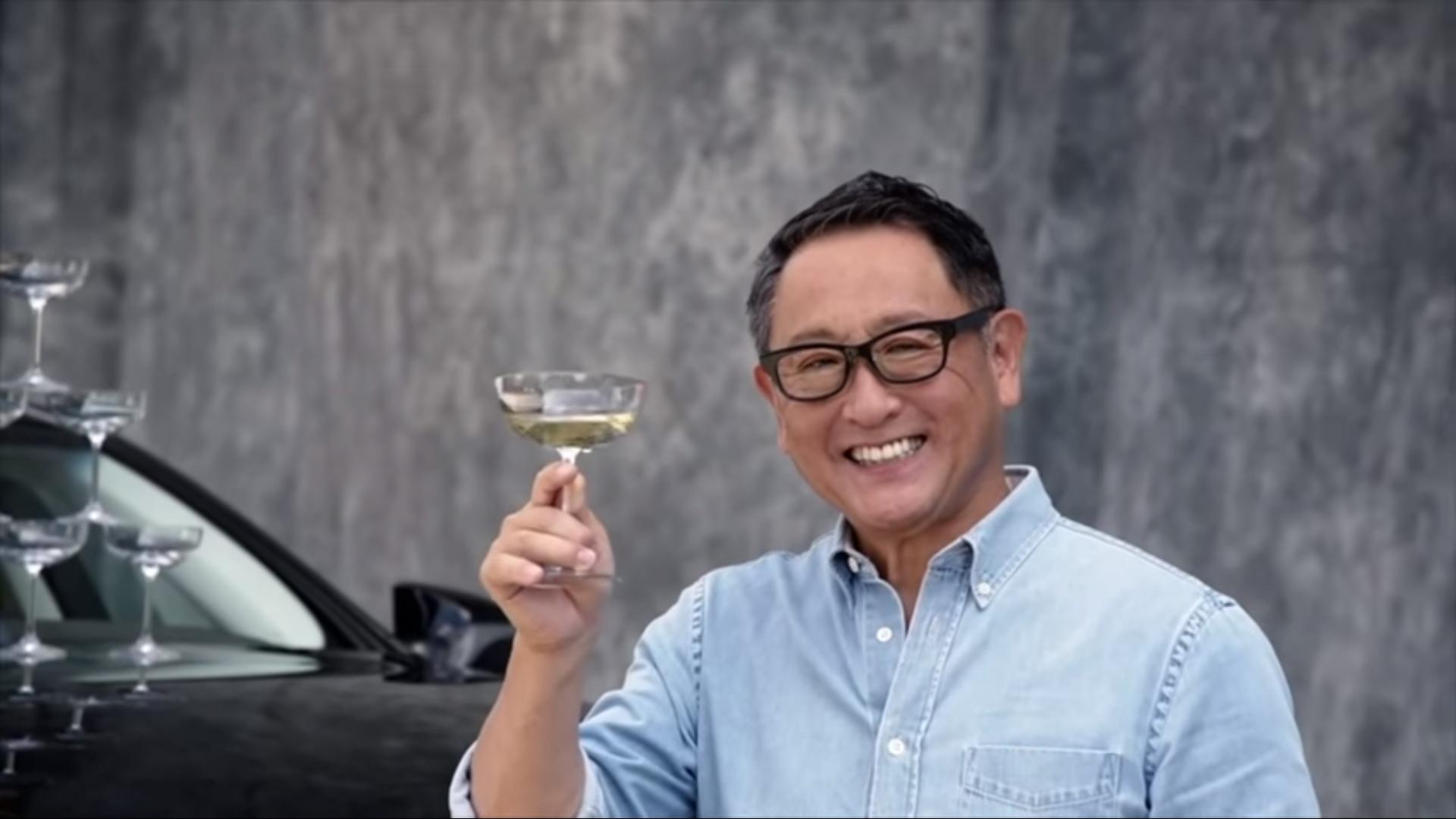 Toyota воссоздала рекламу 30-летней давности 1