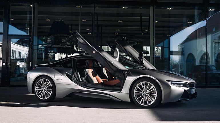Гибридный BMW i8 снимут с производства в апреле 2