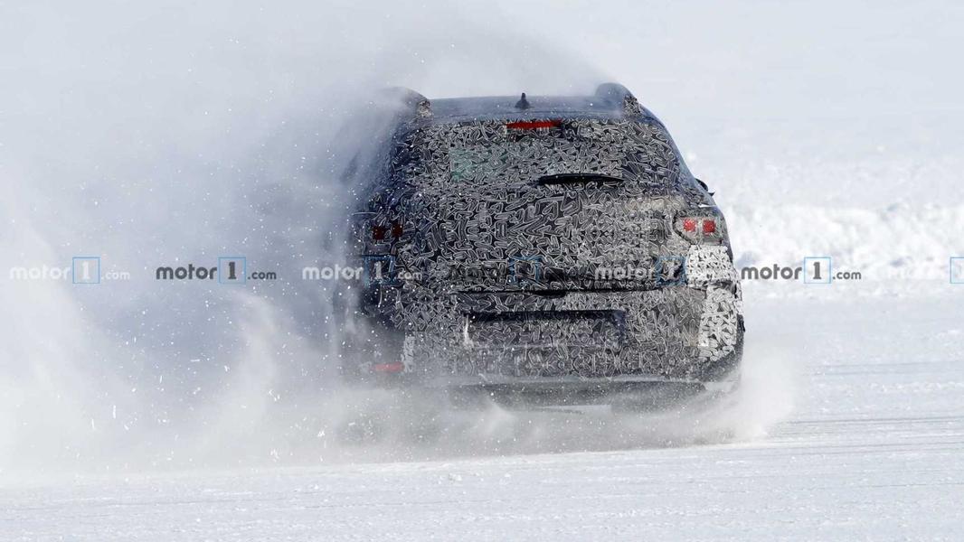 Абсолютно новые Sandero Stepway и Logan дали жару на снегу 3