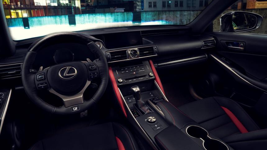 Коронавирус подкосил марку Lexus 1