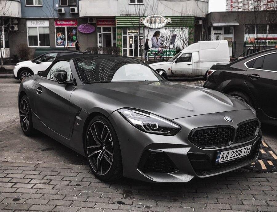 В Украине замечен очень крутой кабриолет BMW Z4 1