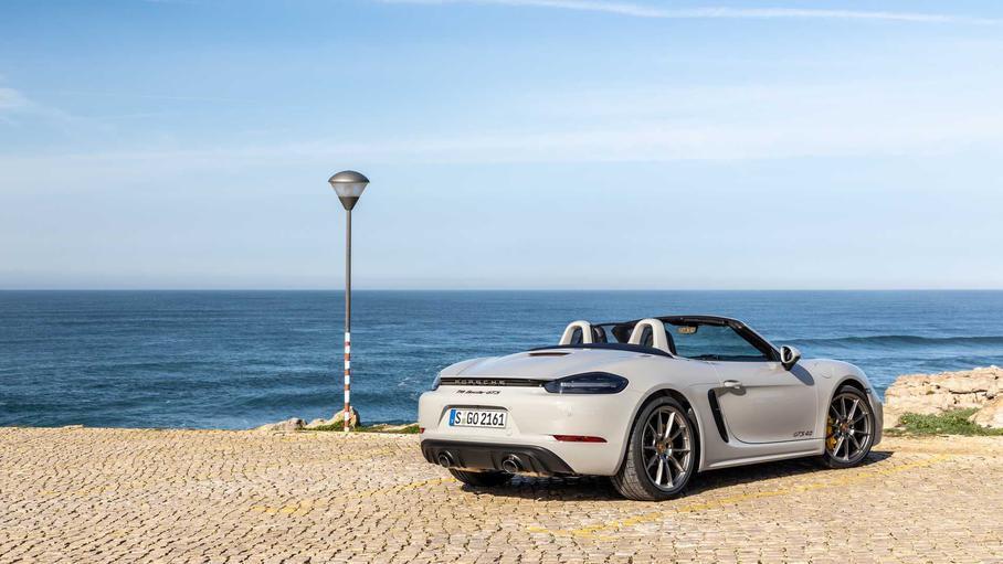У Porsche пока не выходит электрифицировать Boxster и Cayman 1