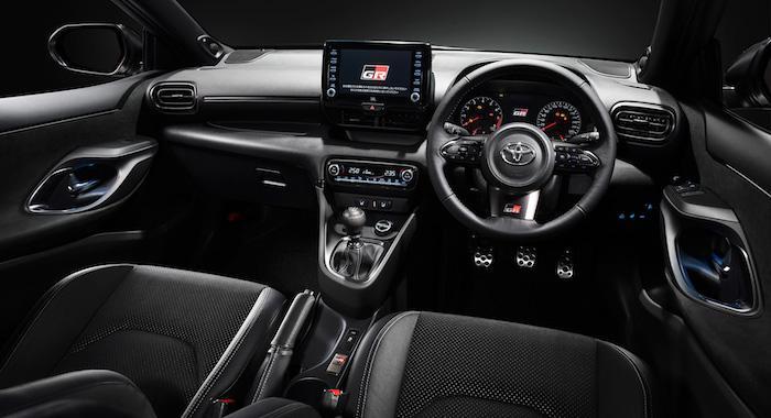 «Заряженный» хэтчбек Toyota GR Yaris вышел в продажу 2