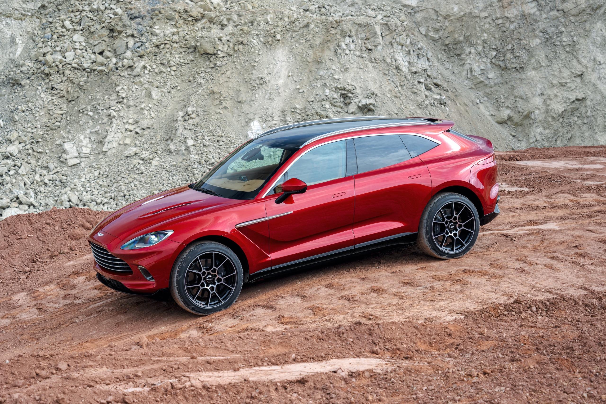 «Вслед за трендами»: все о кроссовере Aston Martin DBX 3