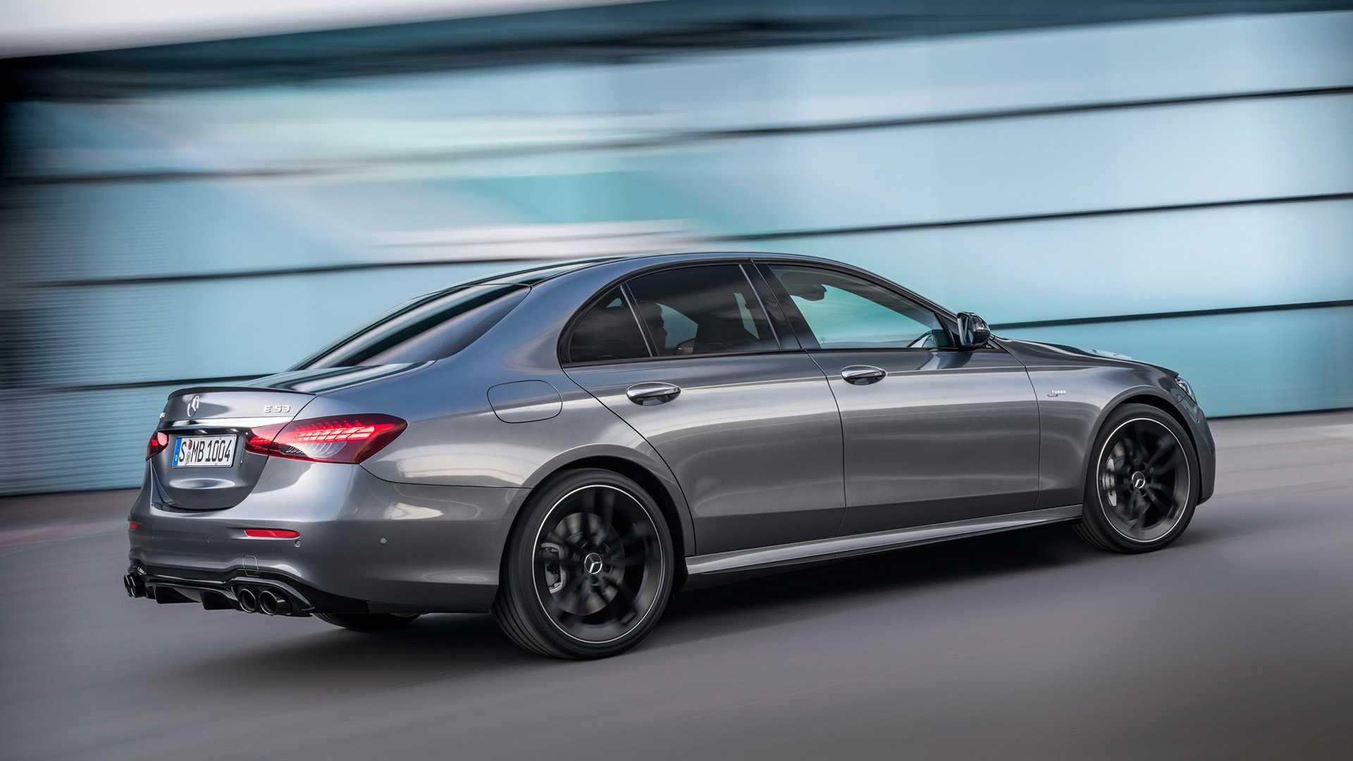 Mercedes-Benz E-класса полностью обновился 1