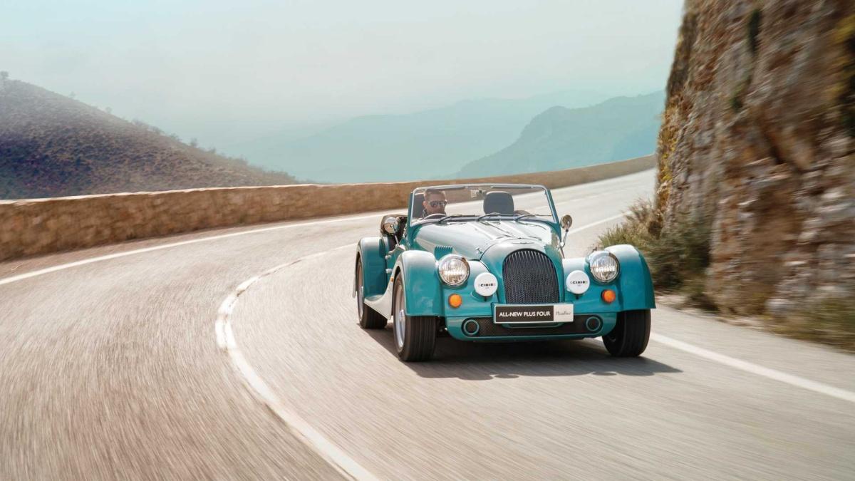 Представлен первый спорткар Morgan с «турбочетвёркой» 1