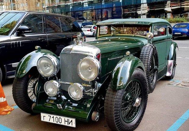 В Украине заметили раритетный Bentley 1930 года 1