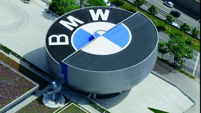 Завод BMW могут закрыть из-за коронавируса 1