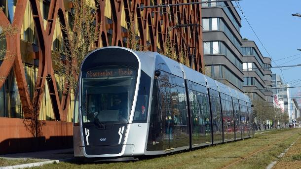 Для чего европейские города и страны делают проезд в общественном транспорте бесплатным 1