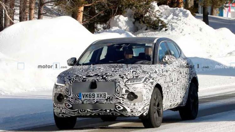 Новый Jaguar E-Pace испытывают нещадным холодом 1