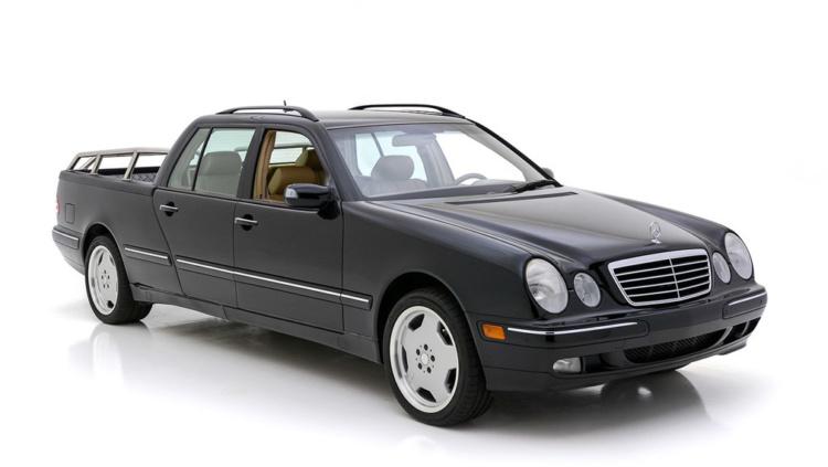 Эксклюзивный пикап на базе Mercedes-Benz выставили на продажу 1