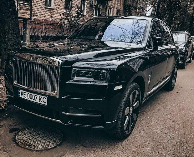 В Украине появился еще один роскошный Rolls-Royce Cullinan 1