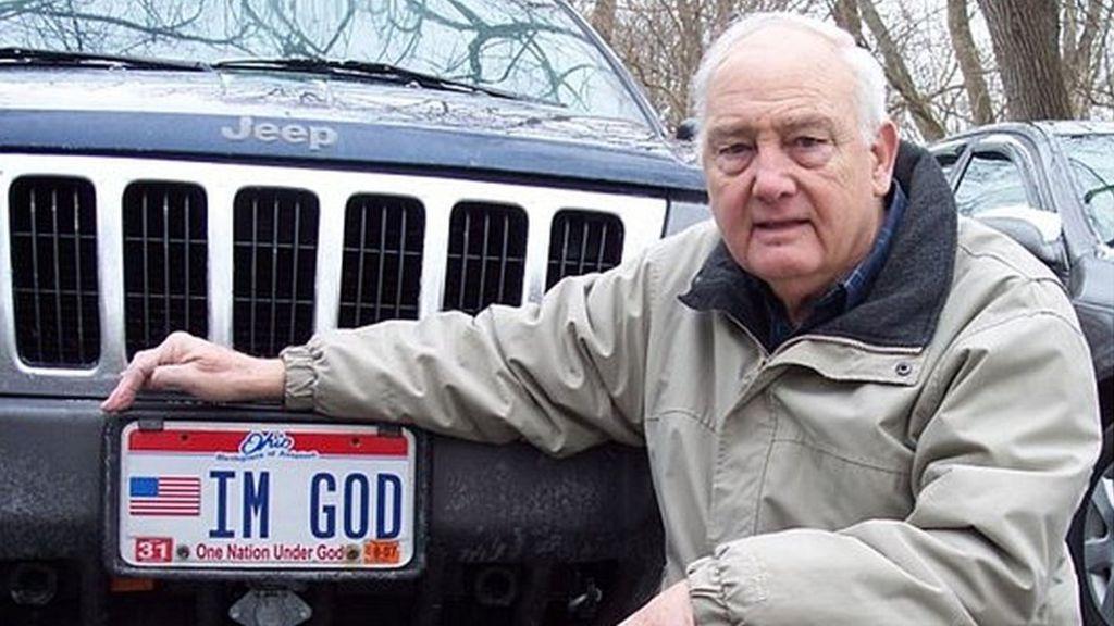 Житель США отсудил право на номерной знак «IM GOD» 1